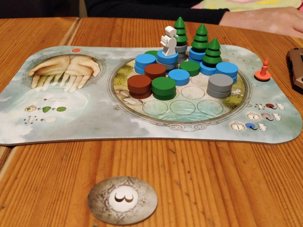 Le plateau de jeu d'Émilie, avec plein de fragments de rêve en tout genre